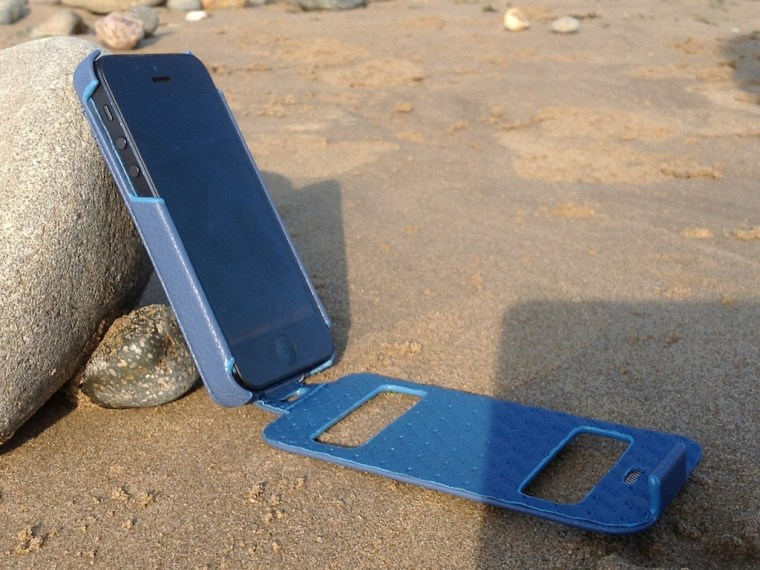 Noreve Indigo On Rock 1 Noreve Exceptional Selection Indigo iPhone 5 Case