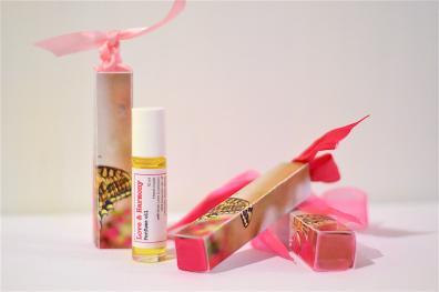 Love & Harmony. Botanical Perfume.
