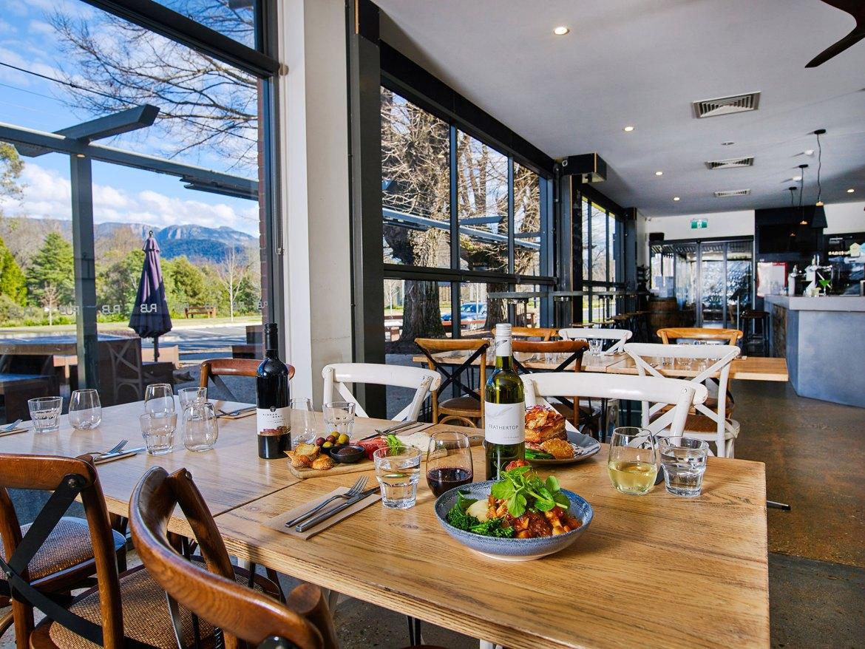 Porepunkah Pub: High Country Victoria's awe-inspiring community hub