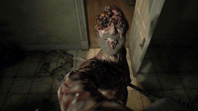 resident-evil-7-biohazard-test-avis-horror-survival-pere-baker-invulnerable