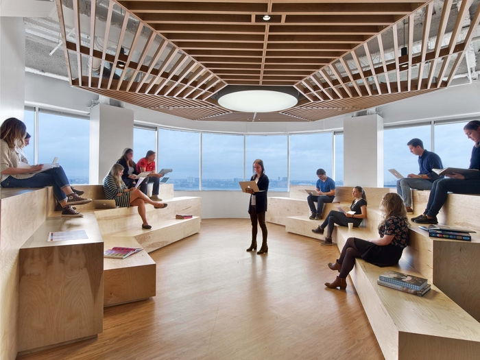 4 office interior design tips for a modern and practical for Office design considerations