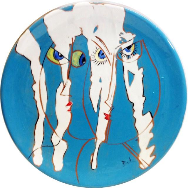 Due amici - piatto in terracotta ingobbiata - cm. 30 diam.