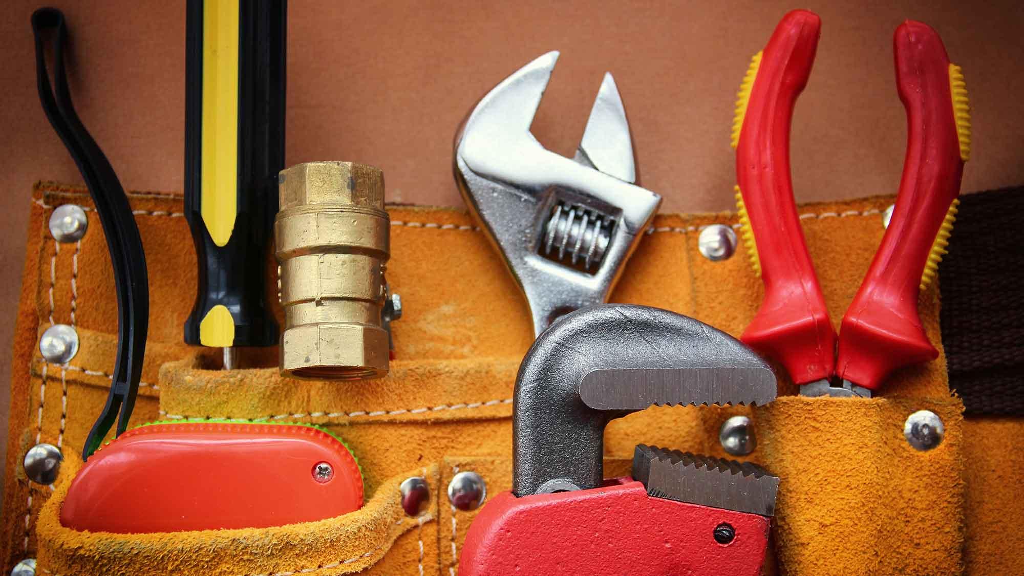 gutter repairs essex maintenance leigh on sea tools