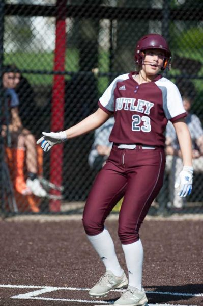 Nutley HS softball team advances to North 2, Group 3 quarterfinals