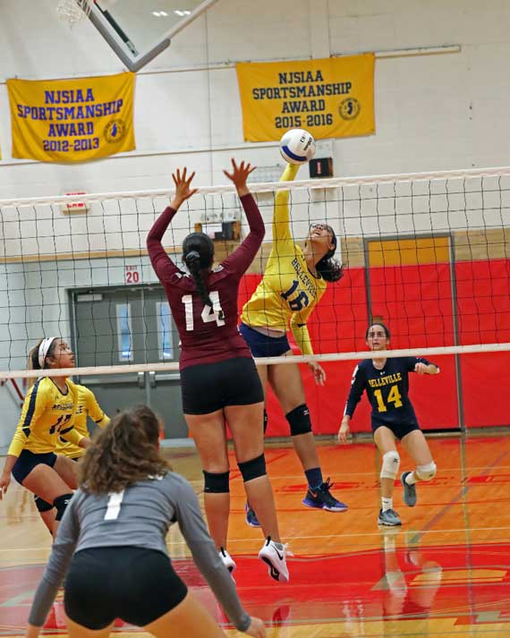 Belleville HS girls volleyball team is off to 2-2 start to season