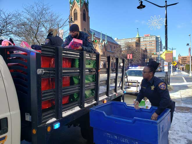 Sheriff's officers provide toys to needy children
