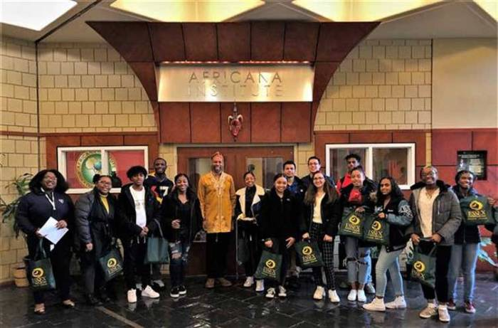 WOHS delegation attends Pan Africanism lecture with Newark mayor