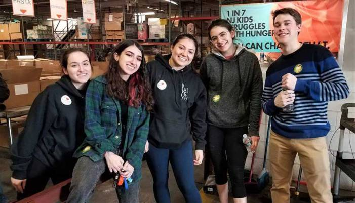 WSOU staff members lend a hand to Community FoodBank of NJ