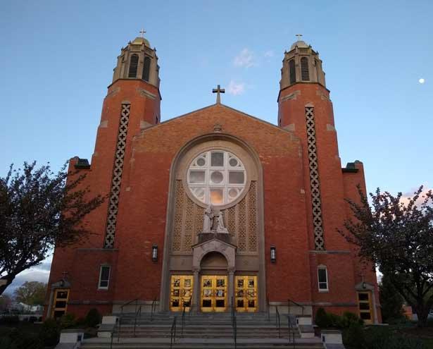 Individual prayer allowed at St. Thomas Church