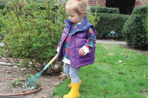 Cleanup at Freeman Gardens brings Glen Ridge residents back outdoors