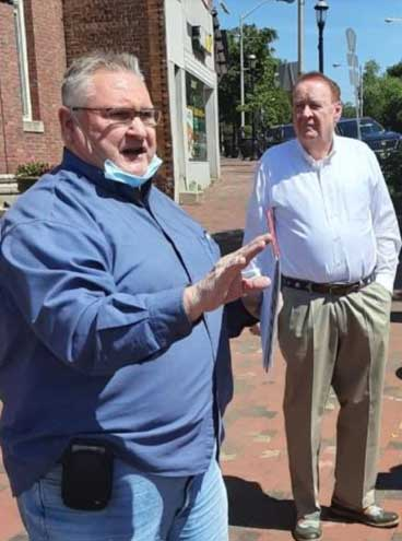With cooperative weather, Fagan holds downtown walking tour