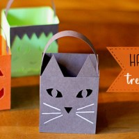 Halloween Paper Treat Box Luminaries