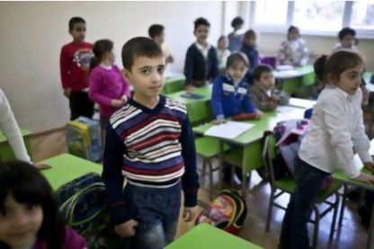 Armênio da Síria em uma escola em Yerevan. Milhares de refugiados procuraram asilo na pátria de seus antepassados. Foto de Justin Vela para o The National