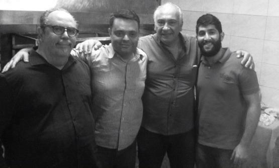 Onnig Tamdjian - Tashnagtsutiun, Ronaldo Vasilian - Comunidade Armênia de Osasco, Kevork Zadikian - CNA Brasil , Sarkis Heghenian , diretor esportivo da SAMA Clube Armênio, representando o Presidente Nigol Nigoghosian