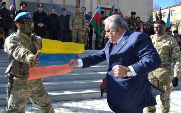 esh_u_tsak_azeri