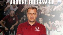 Técnico Vardan Minasyan deixa o Ararat-Armênia