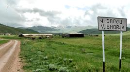 Tropas azeris pavimentam estradas e montam trincheiras na Armênia, segundo prefeitos