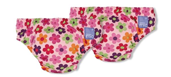 Bañador pañal de flores, de la marca Bambino Mio