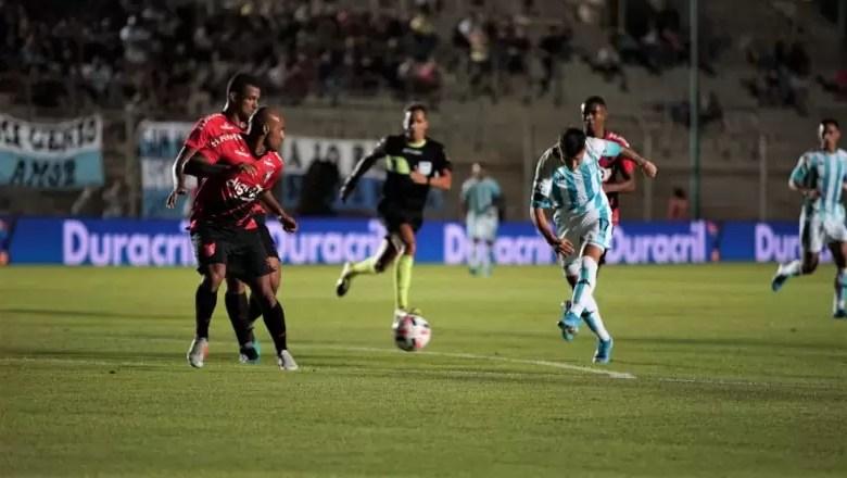 Photo of Racing venció a Athlético Paranaense por penales