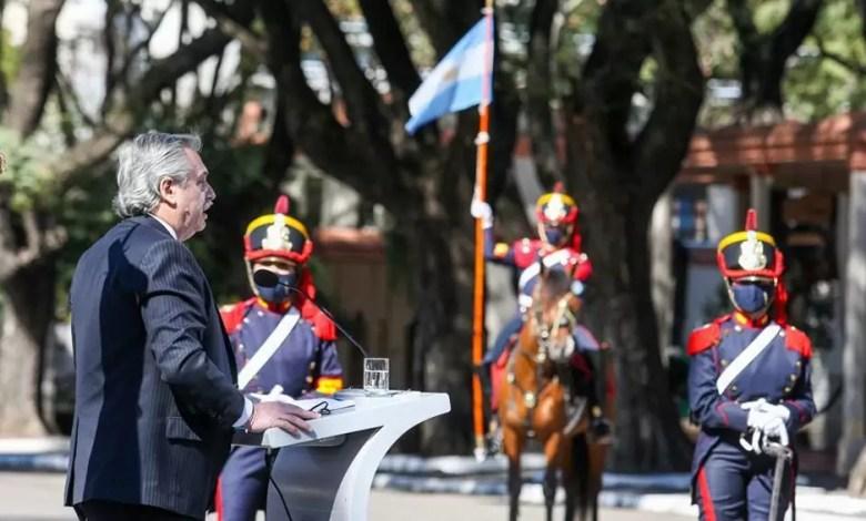 Photo of Fernández: «Hoy el orgullo nacional se gana plantándose frente a los acreedores»