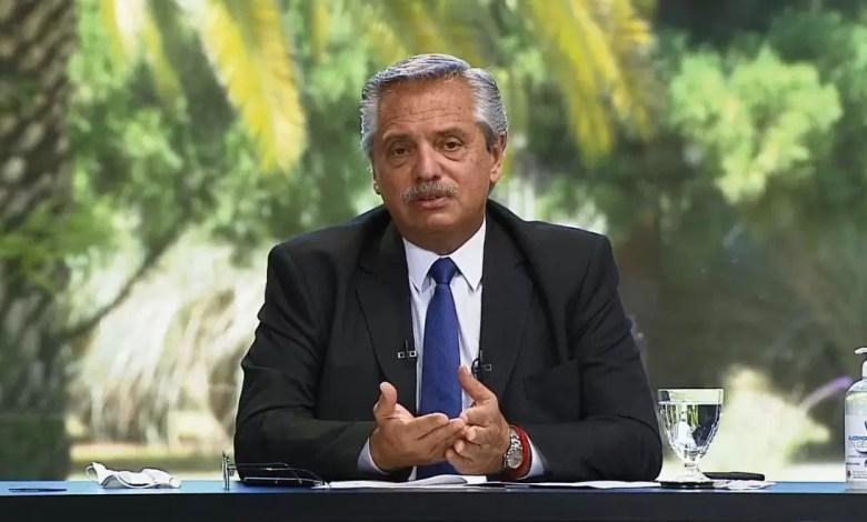 """Photo of Alberto Fernández alerta: """"Existe el riesgo de que todo vuelva a paralizarse"""""""