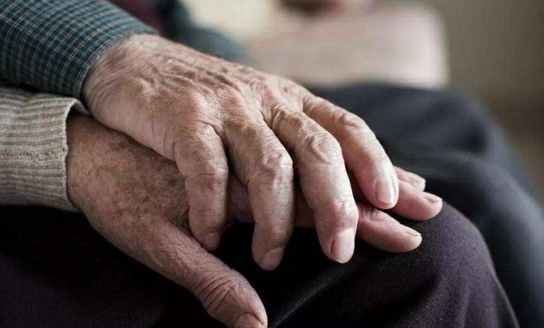 Photo of Maniataron y golpearon a señora de 75 años