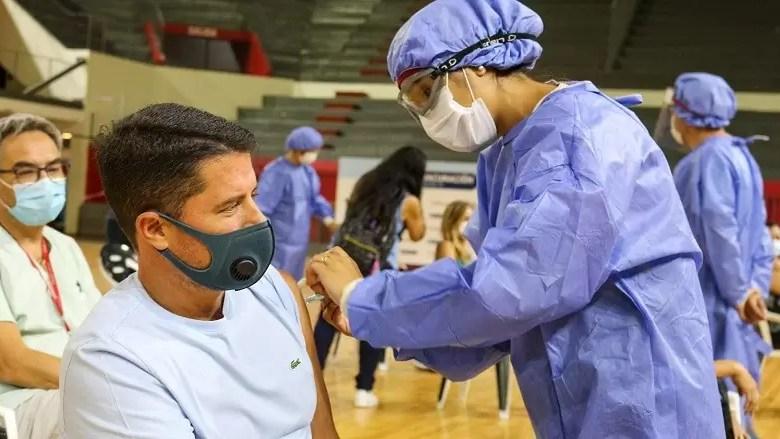 Photo of Casi 4.500 personas ya recibieron la primera dosis y 1.609 completaron la vacunación