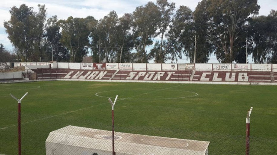 03cancha de Luján Sport Club tribuna lateral
