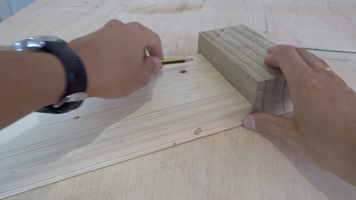 Como hacer un toallero de madera   DIY towel holder 2