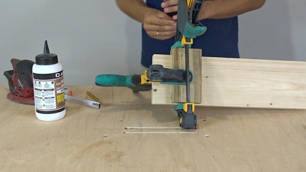 Como hacer un toallero de madera   DIY towel holder 10