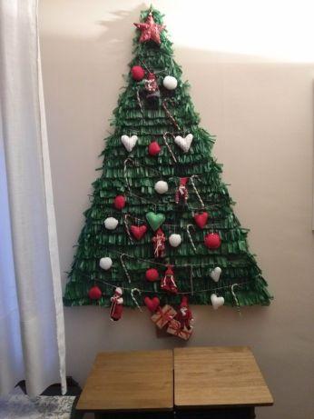 Resultado de imagen para arboles de navidad en la pared