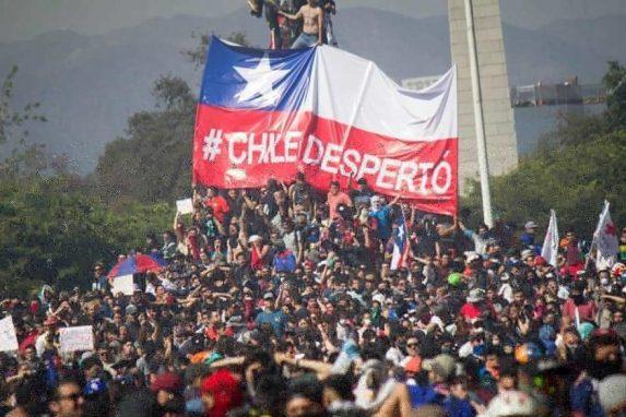 Octubre 2019: De la mano de los estudiantes, ¡Chile Despertó! - Estallido Social en Chile
