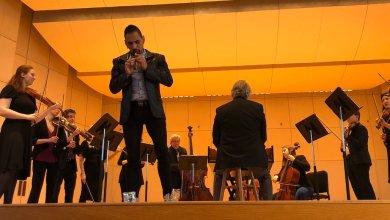 """Foto de Horacio Franco, flautista mexicano, da positivo a prueba de COVID-19; """"quédense en sus casas"""", dice"""