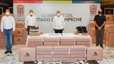 Foto de Gobernador recibe donación de 200,000 cubrebocas de maquiladora