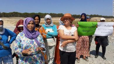 """Foto de """"Por favor ayúdenos, estamos abandonados aquí"""". Miles de trabajadores temporeros marroquíes varados en España"""