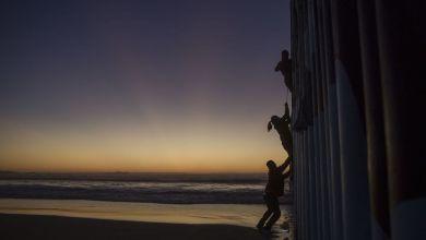 Foto de La esclavitud sólo se modernizó. Golpea a migrantes, niñas y niños: Bardem, autor de Mongo Blanco