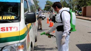 Foto de Quintana Roo se mantiene en color amarillo, afirma gobernador, Carlos Joaquín González