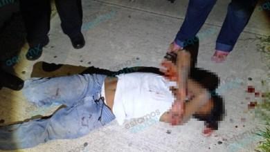 """Foto de Sujeto drogado se tira desde tercer piso en """"piedra de Agua"""", Umán"""