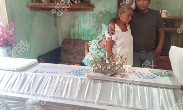 """Foto de Velan y lloran a """"la Paloma"""" desde su humilde hogar"""