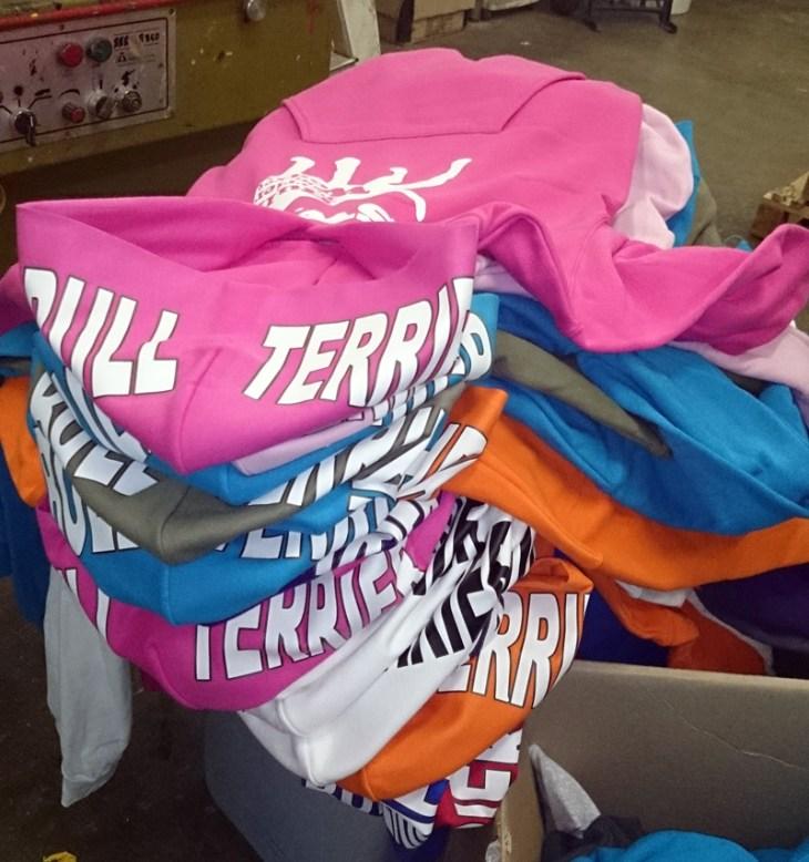 ESTAMPACION CAMISETAS BARCELONA, ESTAMPACION TEXTIL EN BARCELONA, ESTAMPACION CAMISETAS EN BARCELONA, estampación de camisetas baratas personalizadas serigrafía, Camisetas personalizadas serigrafía, Camisetas baratas estampadas, TARRAGONA, LERIDA, GERONA, GIRONA, LLEIDA, CAMISETAS CON TU LOGO, LOGOTIPO EN TU CAMISETA, SAMARRETES