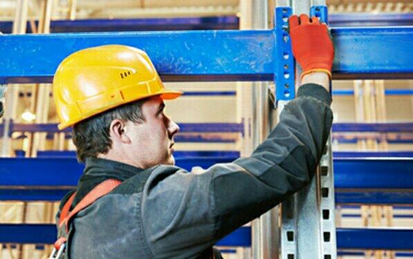 Mantenimiento preventivo de estanterías industriales en Canarias