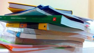 Santa Coloma de Gramenet promueve la reutilización de libros de texto