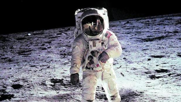 Aldrin, en su paseo lunar con Armstrong en 1969.