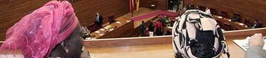 Valencia aprueba enseñar a los inmigrantes sus lenguas, normas y cultura con un curso