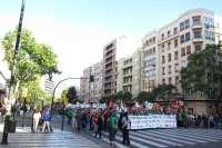 Miles de personas se manifiestan en contra de los recortes educativos