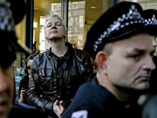 Assange, con el 15-O