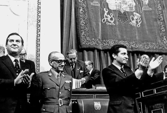 Resultado de imagen para Fotos: ley que abrió el camino hacia la democracia española.
