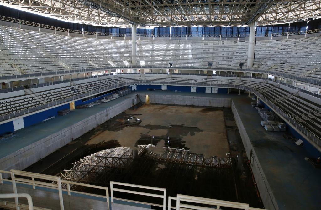 Resultado de imagem para foto piscinas rio 2016 abandonadas