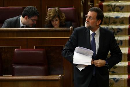 Mariano Rajoy se dirige a la tribuna, este martes, en el debate de investidura.