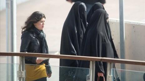 Dones musulmanes amb burca a Lleida, el març del 2013.